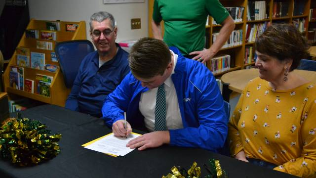 Nance signs with Madonna University
